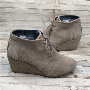 TOMS desert wedge tan wedge booties - 6